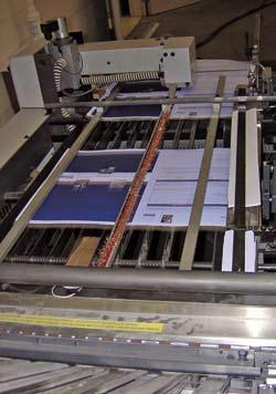 Oblong sheet on folding machine