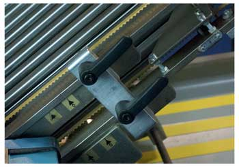 Levers of folding machine in same position