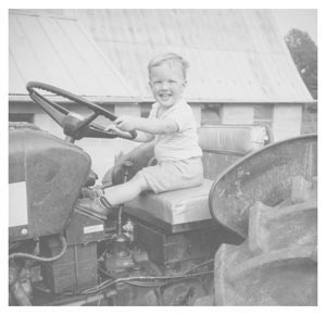 Andre-tractor-bw-300