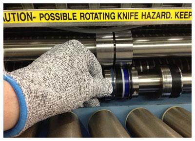 gloves-cut-resistant-multi-tool-400.jpg